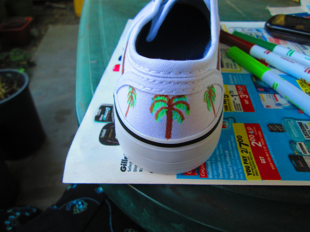 Drawing Palm Trees On The Back of Shoe