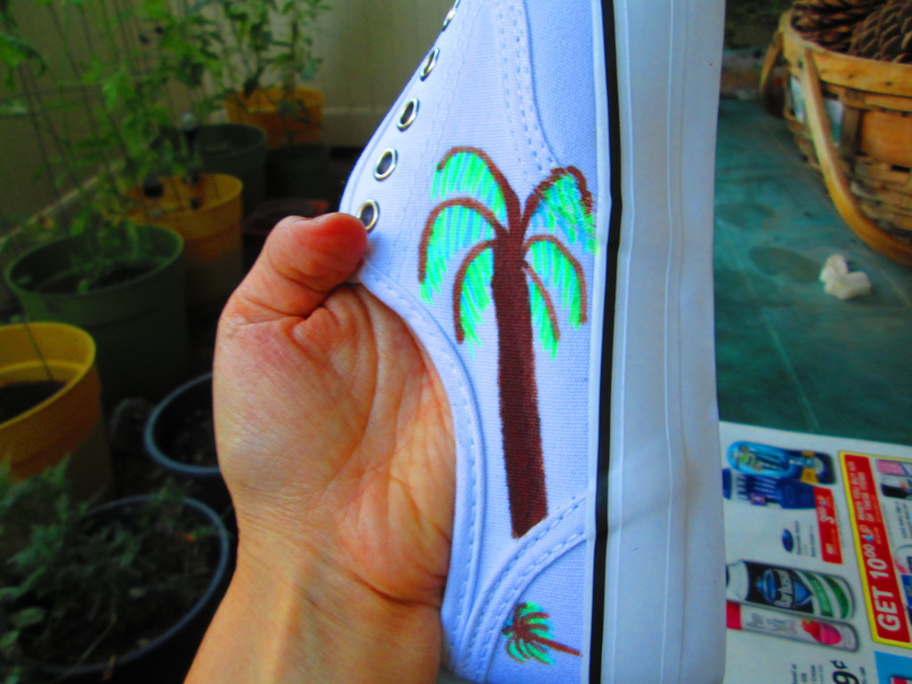 I drew another palm tree on the other side of the shoe.
